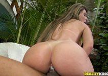 Videos de sexo brasileiro com Nayra Mendes dando cuzinho gostosinho com camisinha